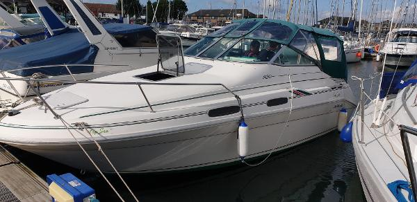 Sea Ray 230 Sundancer Sea Ray 230 DA Sundancer Weekender