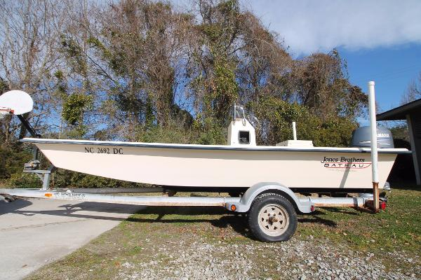 Jones Brothers 176 Bateau LT Four Stroke