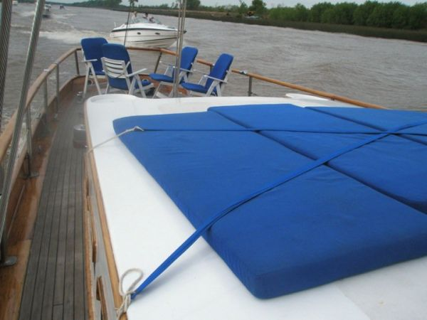 Aft Deck To Stern