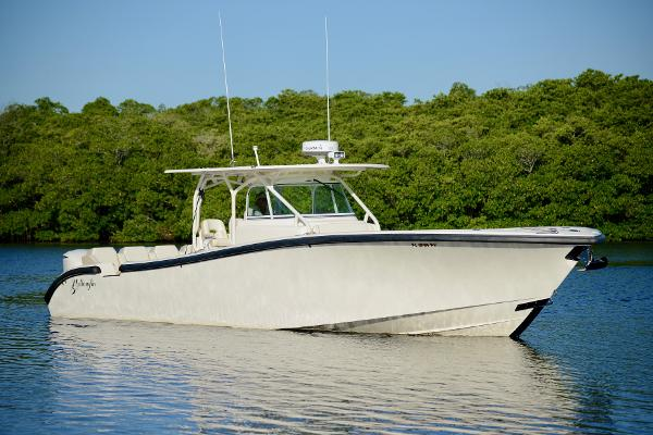 Yellowfin 42 Center Console Profile