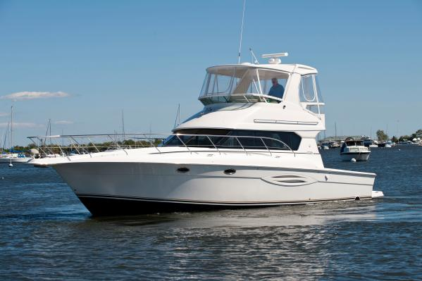 Silverton Yachts 42 Convertible Port Side