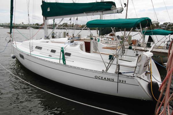 Beneteau Oceanis 321 Beneteau Oceanis 321