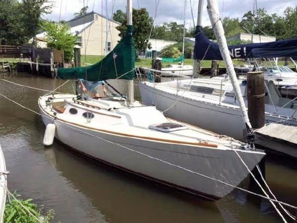 Alerion Express 28 One Owner Boat