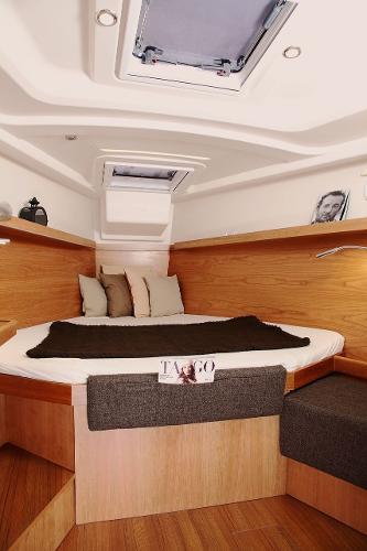 Hanse 415 Cabin