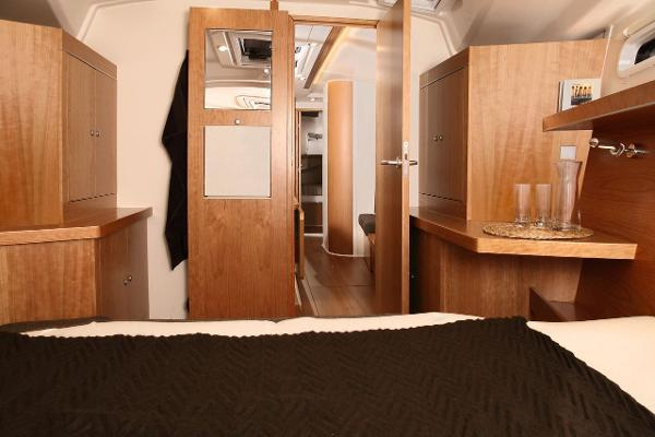 Hanse 415 Cabin Storage