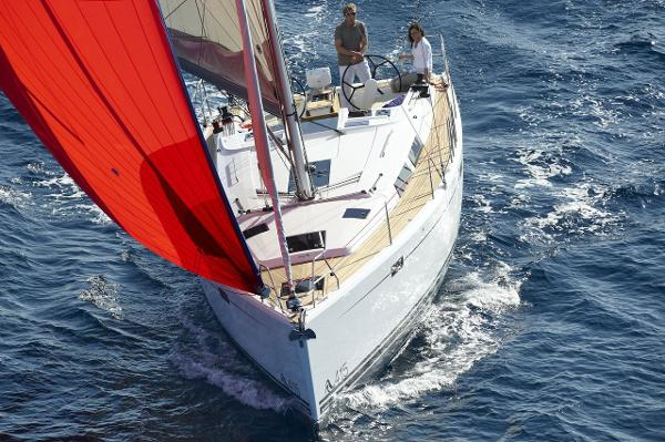 Hanse 415 Manufacturer Provided Image: Hanse 415 Bow