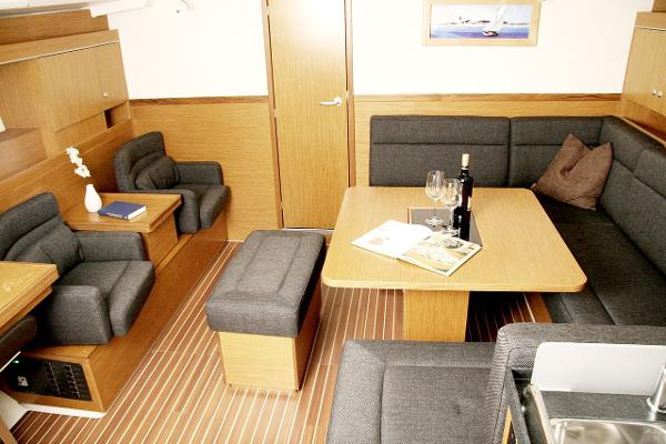 Hanse 445 Interior