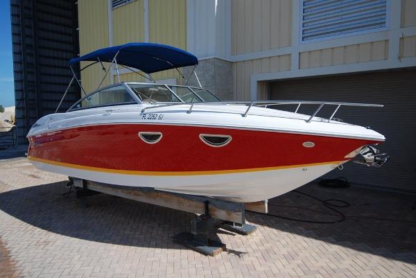 Cobalt 243 Starboard Profile