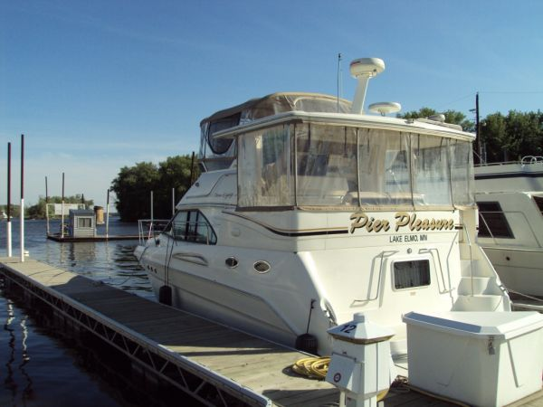 Sea Ray 380 Aft Cabin Photo 1