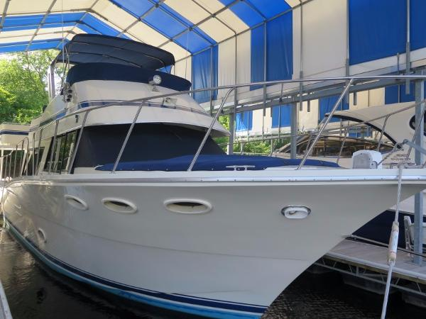 Bluewater Yachts Sedan