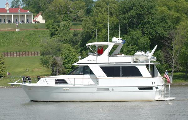 Chris-Craft 501 Motor Yacht 4 Stateroom
