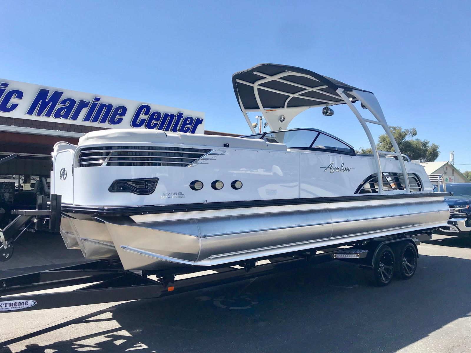 Avalon Ambassador Windshield 27' W/ 350HP Mercury!