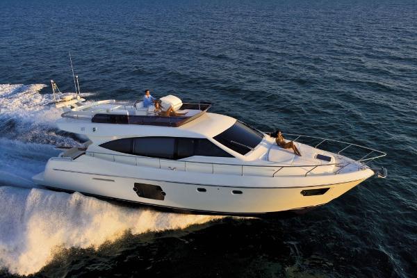 Ferretti Yachts 530 510