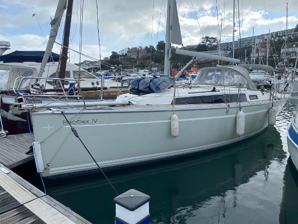 Bavaria Cruiser 33 Port Side