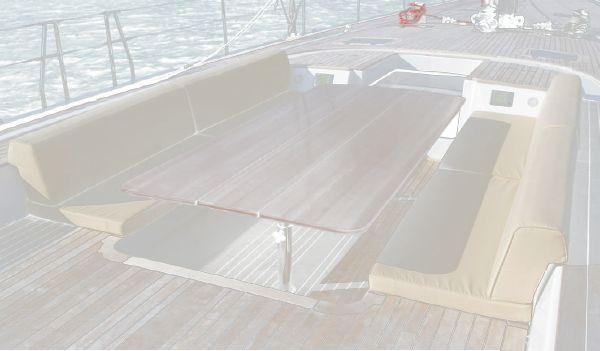 Nautor Swan 90 FD Deck Seating