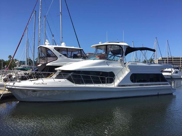 Bluewater Yachts 510 Coastal Cruiser