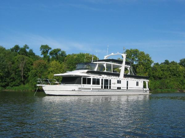 Majestic 90X18 Tri Deck River Cruiser Port Bow