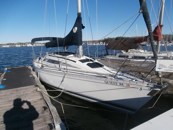 Beneteau First 305 Starboard View @ Dock