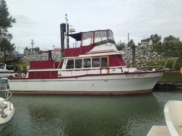 Californian 42 LRC dockside