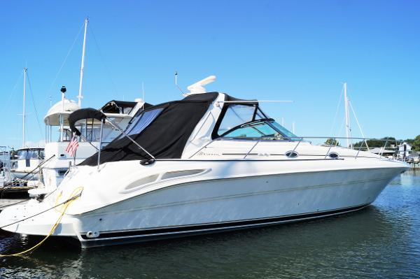 Sea Ray 410 Sundancer STBD PROFILE