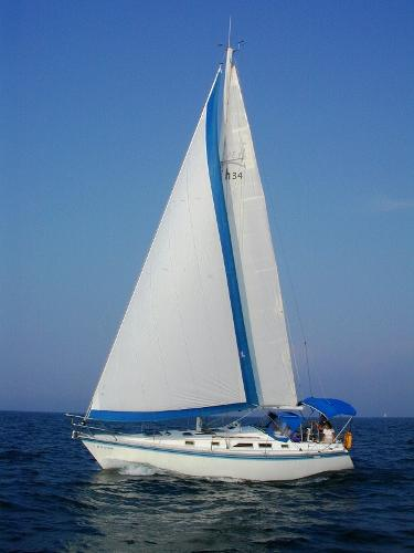 Hunter 34 Sailing