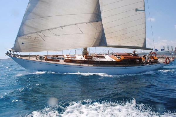 Beltrami classic teak built sloop Classic cruiser-racer