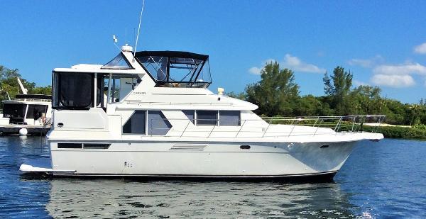Carver 440 Diesel Motor Yacht