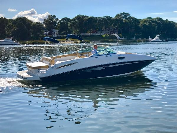 Sea Ray 280 Sundeck 2011 SEA RAY 280 SD
