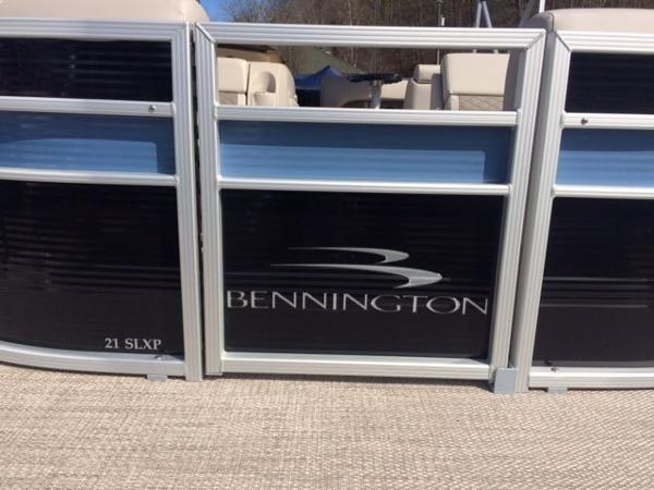 Bennington 21 SLXP Triple Tube
