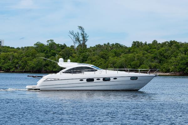 Pershing 50 Sport Yacht Starboard Profile
