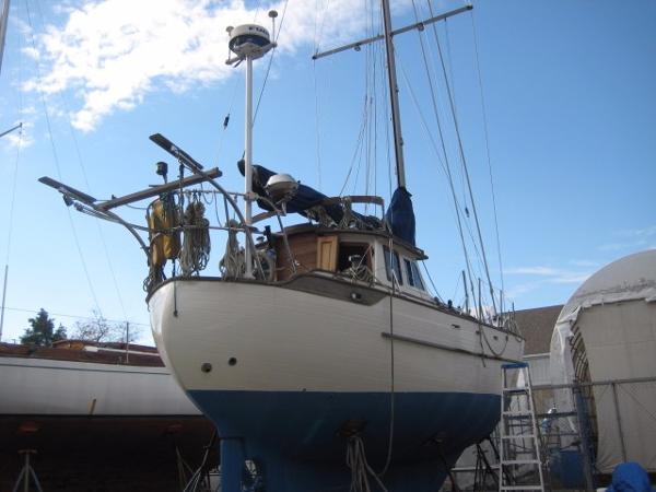 Tayana 37- fiberglass decks
