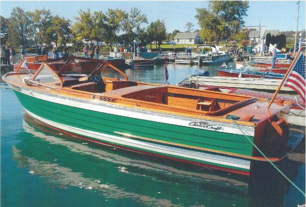 Chris-Craft Sea Skiff At the slip