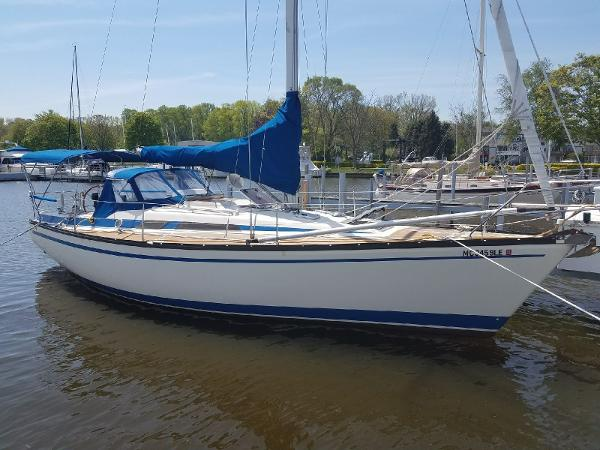 Bavaria 1060 Sloop Exterior Profile