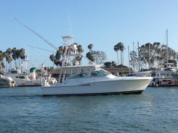 Hatteras Express Sportfish Profile