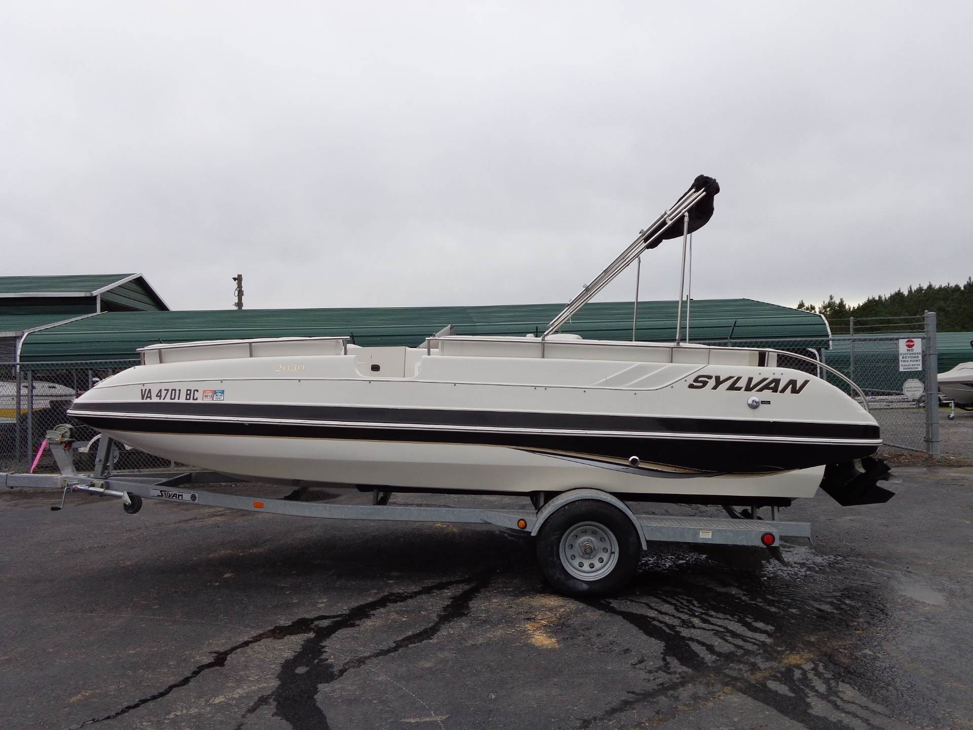 Deck boat sylvan boats for sale for Syvlan