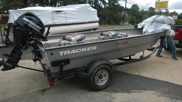 Tracker Guide V-16 Laker Deep V
