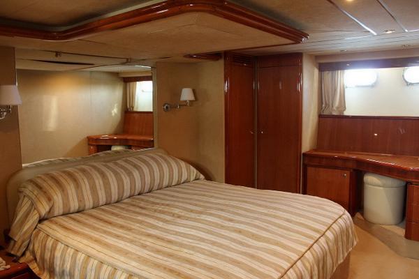 motor boat Ferretti 68 for sale in spain
