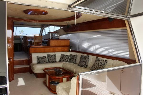 Ferretti 68 bateau à moteur d'occasion en vente à Majorque Espagne