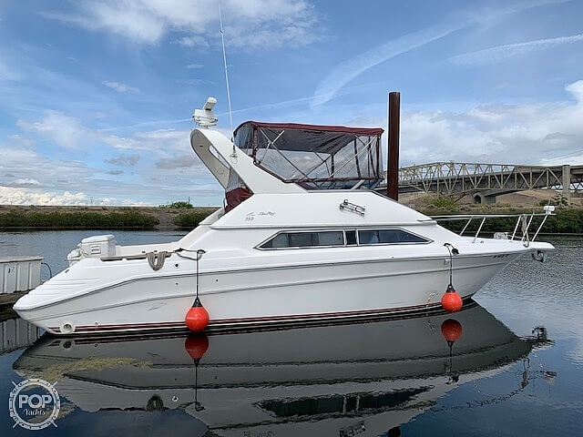 Sea Ray 350 Express Cruiser 1993 Sea Ray 35 for sale in Umatilla, OR