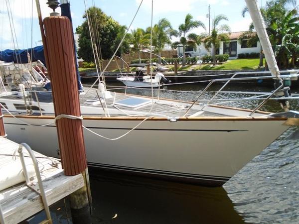 Sailboat Sorensen 47