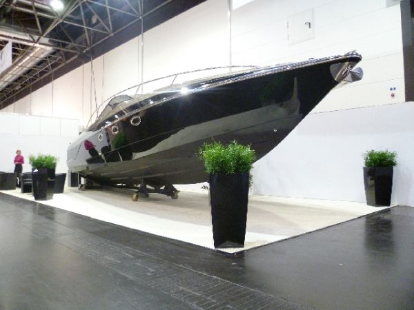 Hunton Powerboats XRS43