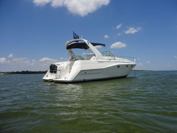 Cruisers Yachts 3775 Esprit