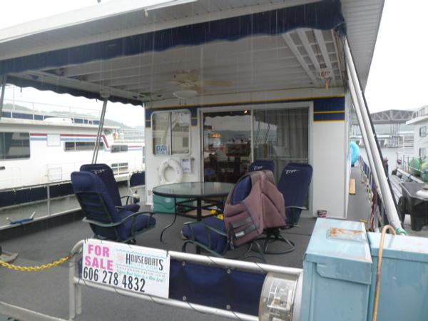 Jamestowner Houseboat