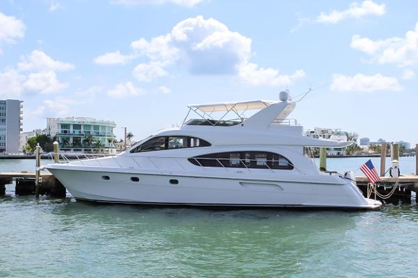 Hatteras Raised Pilothouse Motoryacht 2002 63' Hatteras
