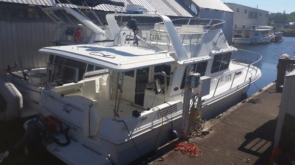 SeaSport Pacific 3200