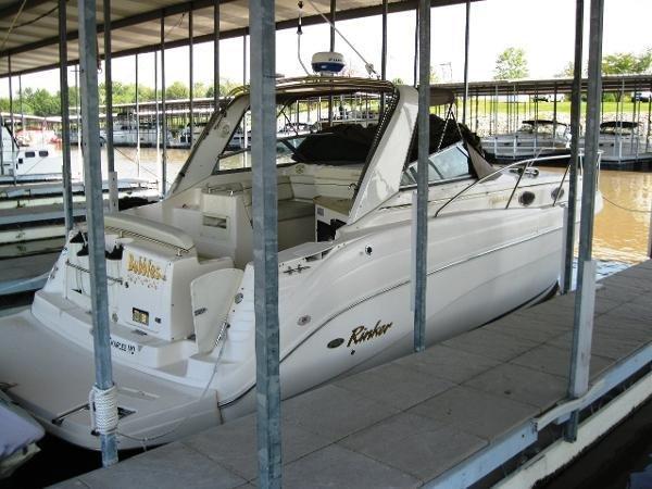 Rinker Fiesta Vee 342