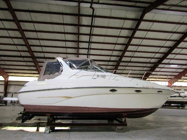 Crownline 330 CR Exterior Profile