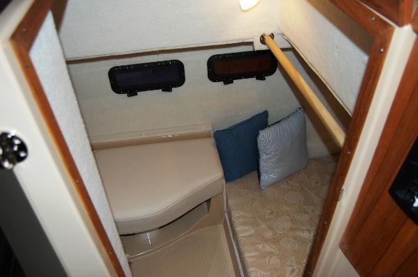 Ranger Tug 31 (Actual) Guest Berth