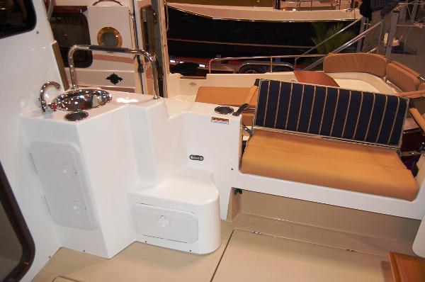 Ranger Tug 31 (Actual) Cockpit sink