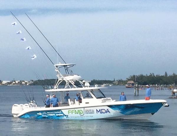 Everglades Boats 435CC